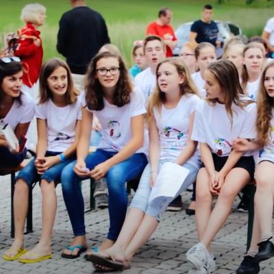 Schülerinnen Carina Pinter, Marlene Richter, Jana Schönauer, Kristin Wastl und Isabella Winkler aus der 2C Bundeswettbewerb Erste Hilfe